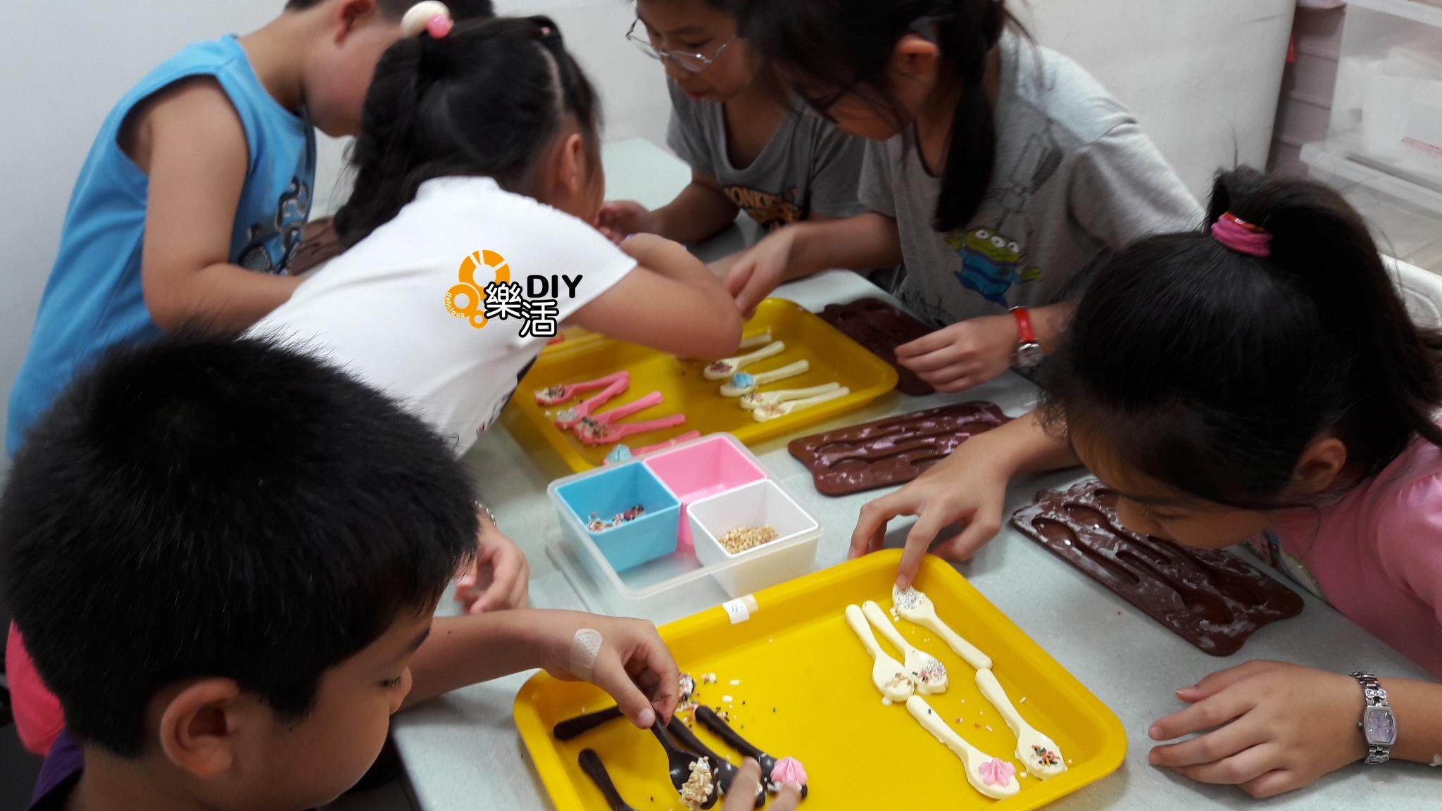 20160705暑期兒童烘焙班(團體班)DIY課程-巧克力攪拌棒  課程紀事